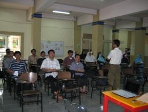 divisi bantuan luars sekolah Yayasan Sahabat Pelajar
